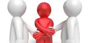 Ayuda a resolver conflictos a través de la cultura de la paz.